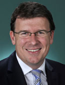 Official portrait of Alan Tudge
