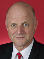 Official portrait of David Leyonhjelm