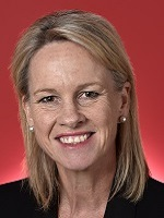 Official portrait of Fiona Nash